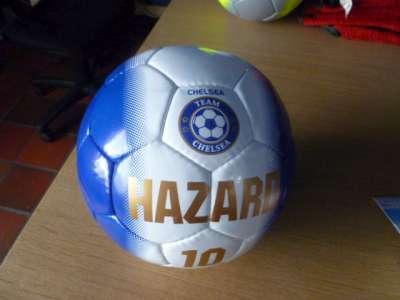 Chelsea bal met Hazard