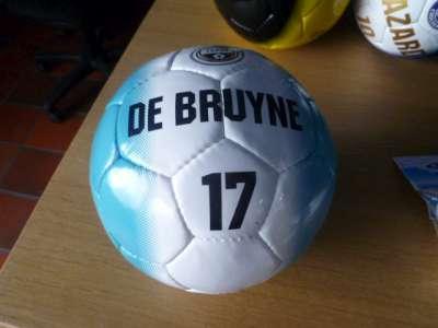Manchester city bal met De Bruyne